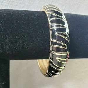 Jewelry - Women Gold Tone Metal With Black Enamel Clamp Hing
